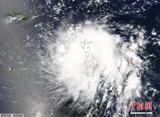 """8月29日消息,热带风暴""""多利安""""升级为一级飓风,并会直接威胁波多黎各。随着风暴越来越接近美国大陆,其强度可能会进一步加强。图为美国航天局拍摄到的""""多利安""""移动图像。"""